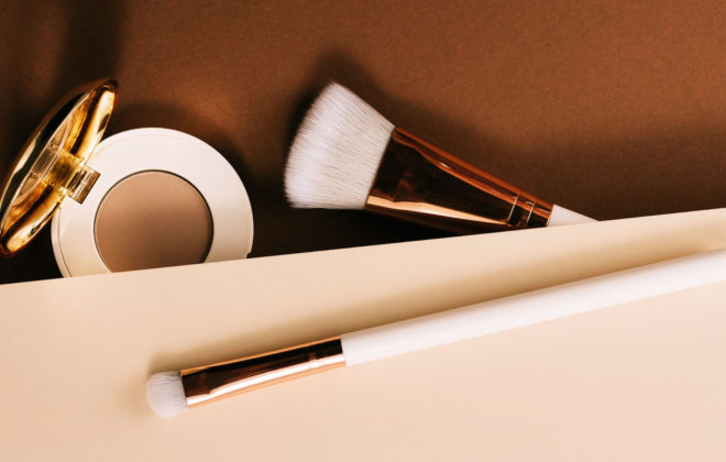 Elegant eyeshadow and brushes from above.